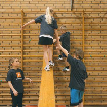 Gymnastik på redskaber
